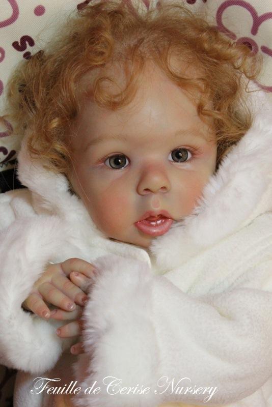 Laura - bébé reborn fille