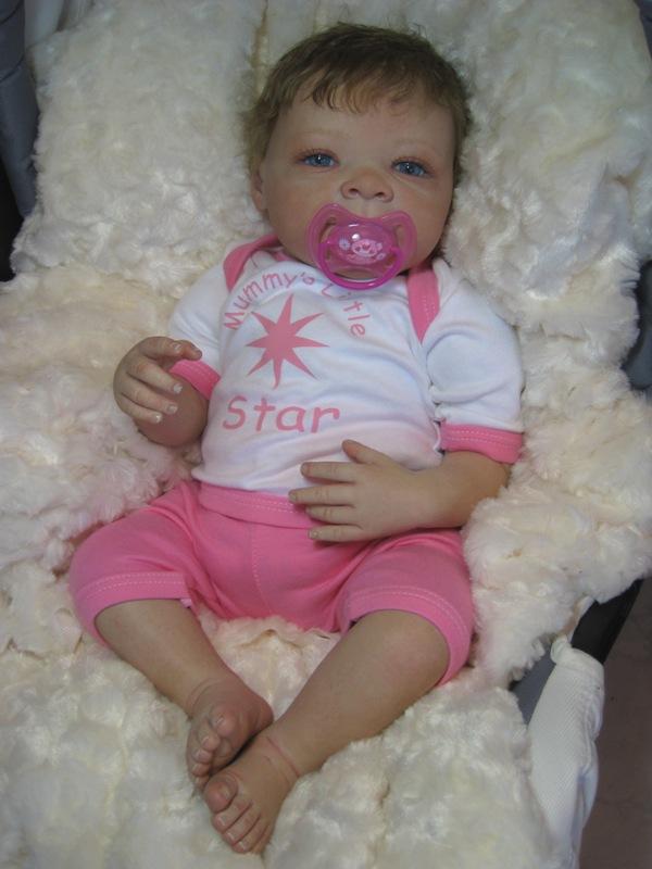 Estelle - bébé reborn fille